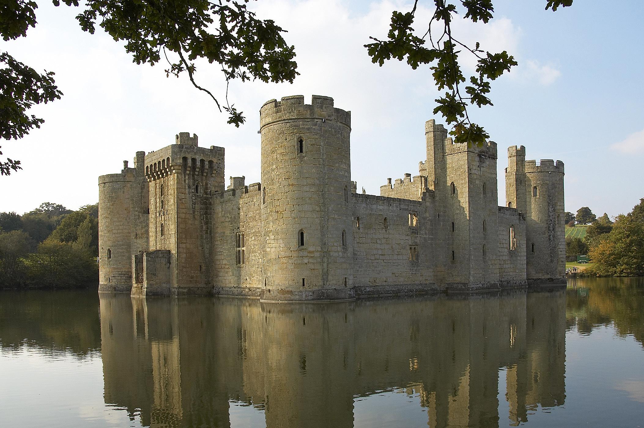 Средневековые замки: устройство иосада