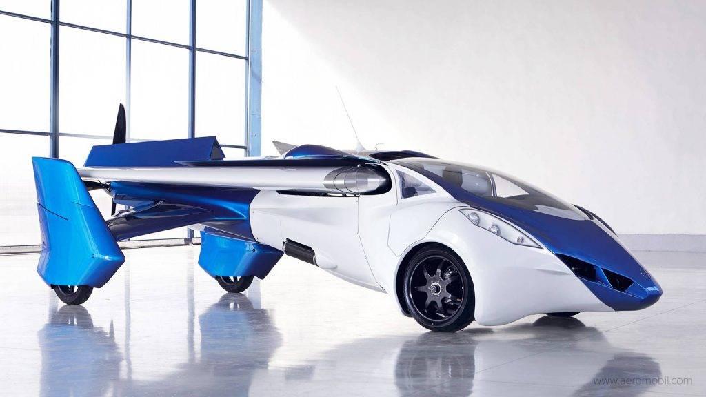 Aerocar больше напоминает гаджеты Бонда и Фантомаса