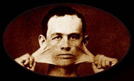 Джеймс Моррис (1859-?) — «резиновый человек»; после окончания выступлений открыл парикмахерскую, пользовавшуюся неизменным успехом.