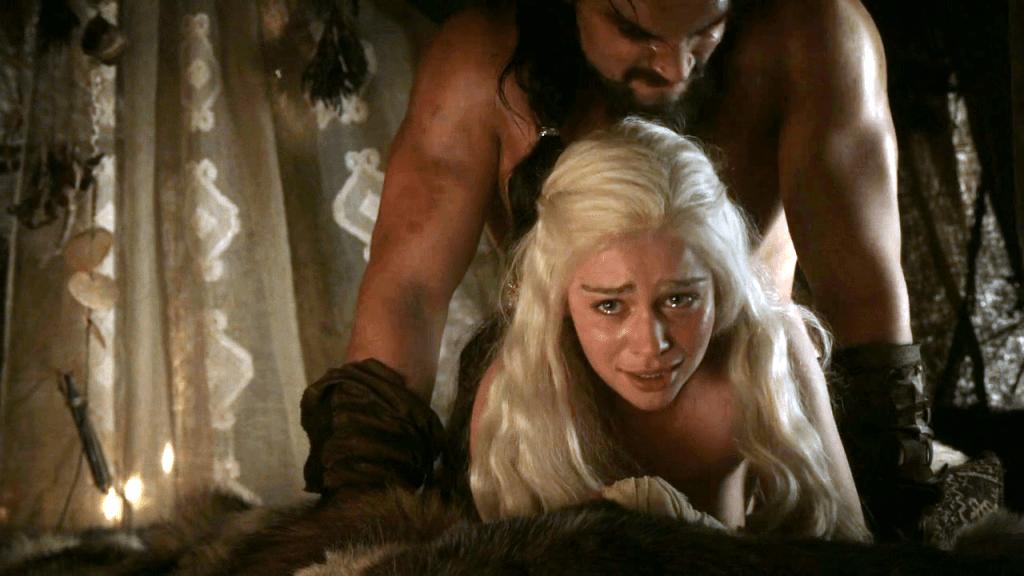 Скандальная gif-анимация Mother of Dragons не появилась бы, следуй сериал книге