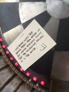 Шутник Абрамс публиковал в Instagram прозрачные намёки. Например, записку «Хватит говорить, будто в фильме есть «Тысячелетний сокол»!» на игровой доске со знаменитого звездолёта
