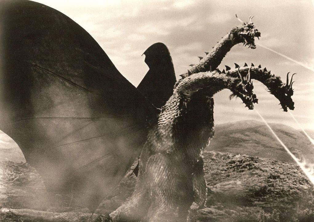 Первый фильм с японским «Змеем Горынычем» «Гидора, трёхголовый монстр» был приурочен к десятилетию Годзиллы