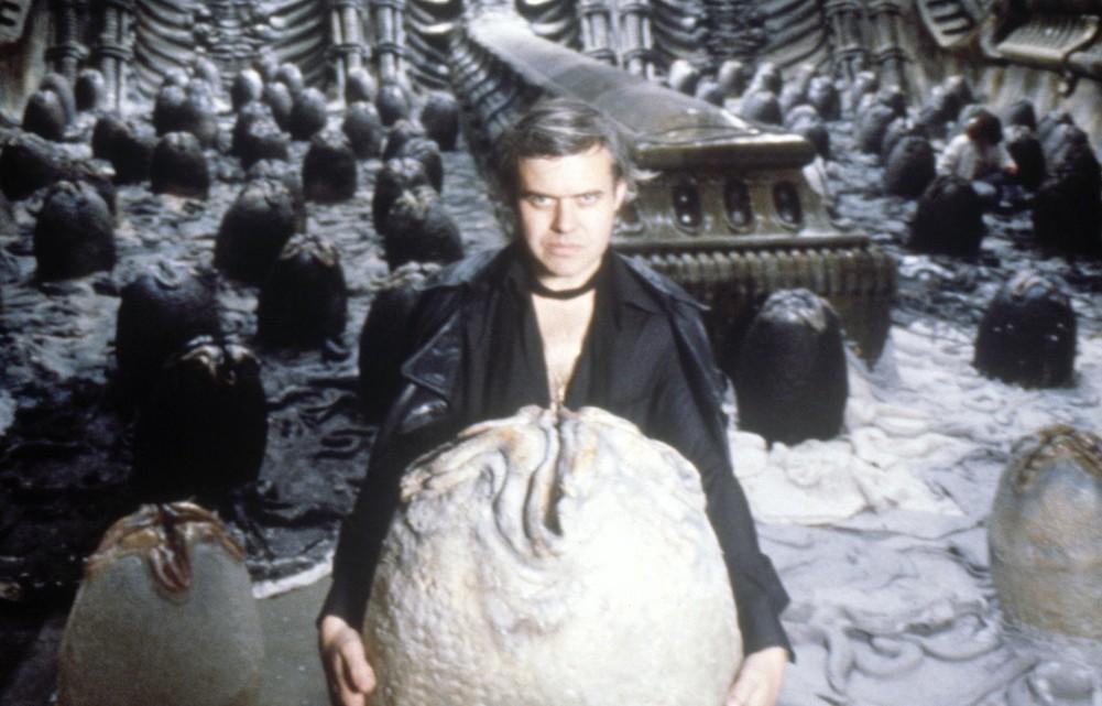 Ганс Руди Гигер — человек, без которого «Чужой не стал бы культовым. Все неземные существа и декорации в фильме — плод его болезненной фантазии. Художник оставил наш слишком скучный мир в 2014 году
