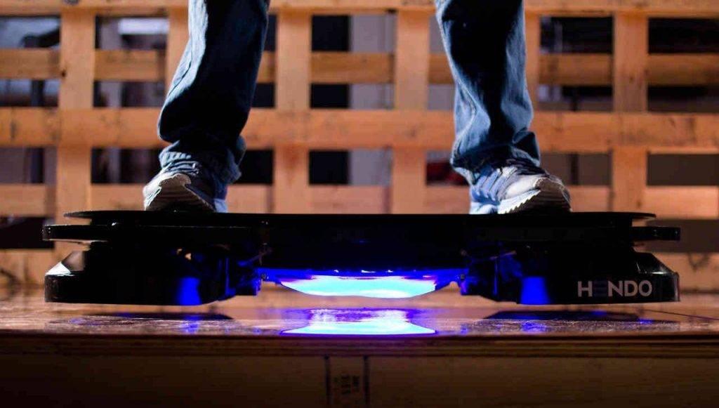 Hendo Hoverboard: шумный, ненадёжный, зато первый