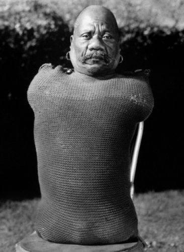 Живой торс» Принц Рэндиан. Фотография со съёмок «Уродов» Браунинга.