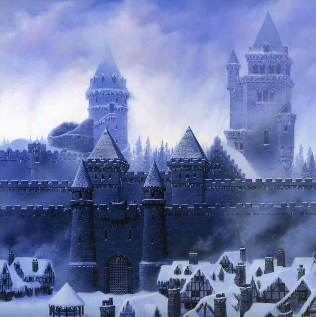 По легенде замок Винтерфелл, как и Стену, возвёл Брандон-Строитель, живший за восемь тысяч лет до событий «Игры престолов».