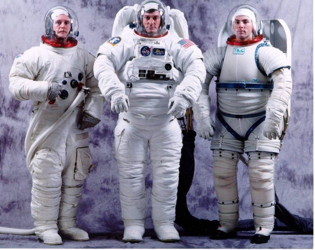 Скафандры открытого космоса американского агентства NASA: лунный скафандр A7LB, скафандр для «шаттлов» EMU и экспериментальный скафандр I-Suit.