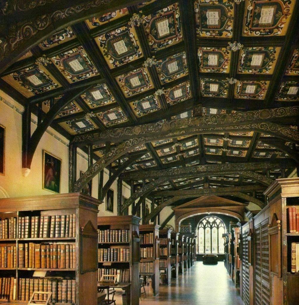 Залы библиотеки. Даже ничего переделывать не пришлось.