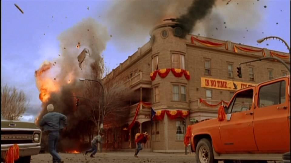 Одно только появление Супермена в Смолвиле едва не уничтожило город