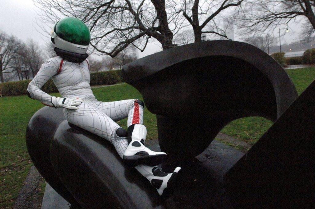 Перспективный скафандр Bio-Suit (прототип). Покоряйте Марс, оставаясь привлекательным!