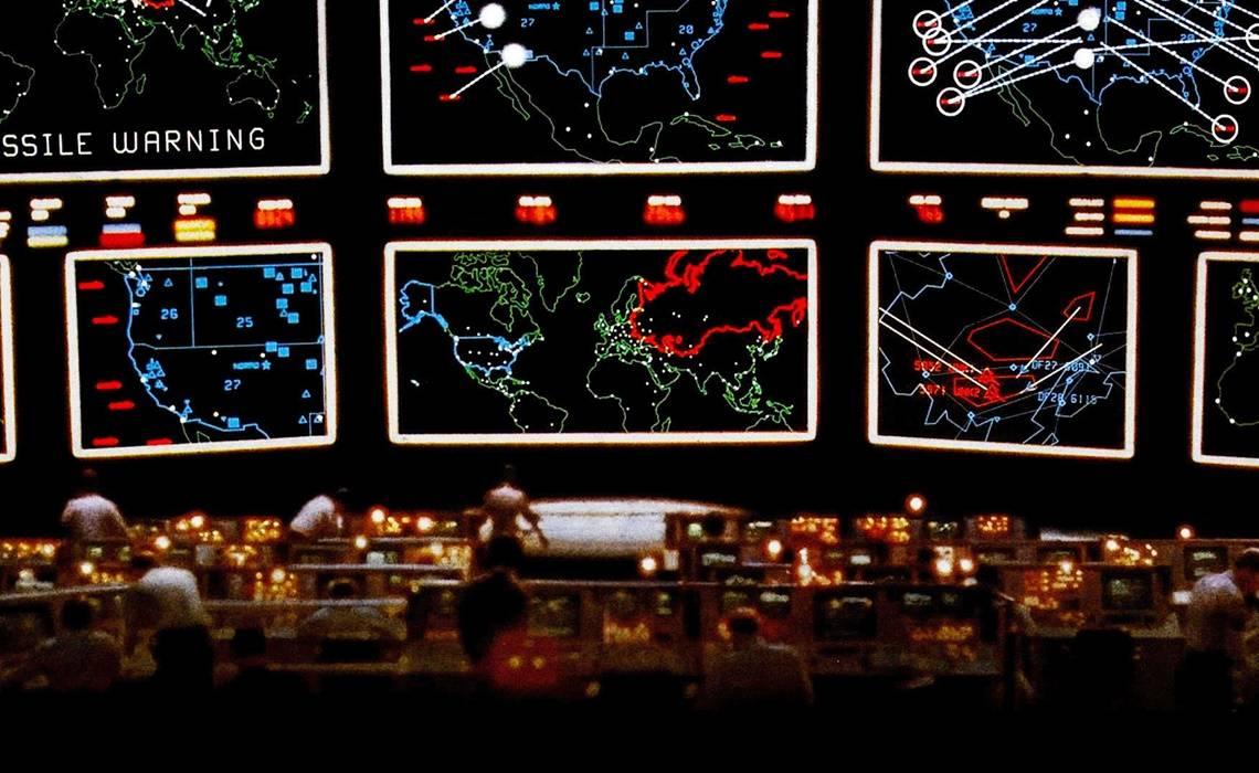 """Неужто зритель сможет выбрать цель? (кадр из """"Военных игр"""" 1983 года)"""