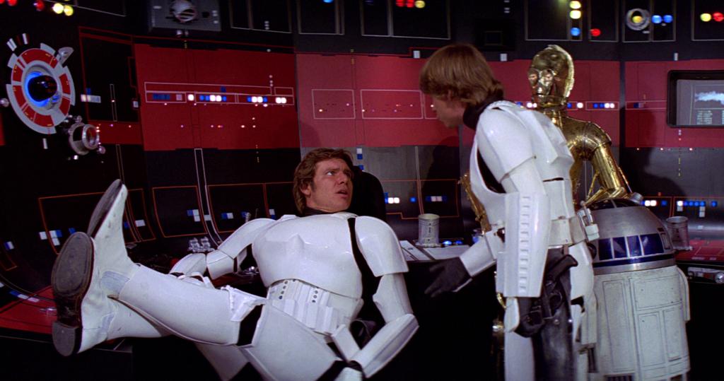 И кстати: если человек носит имперскую броню, это еще не значит, что он штурмовик!