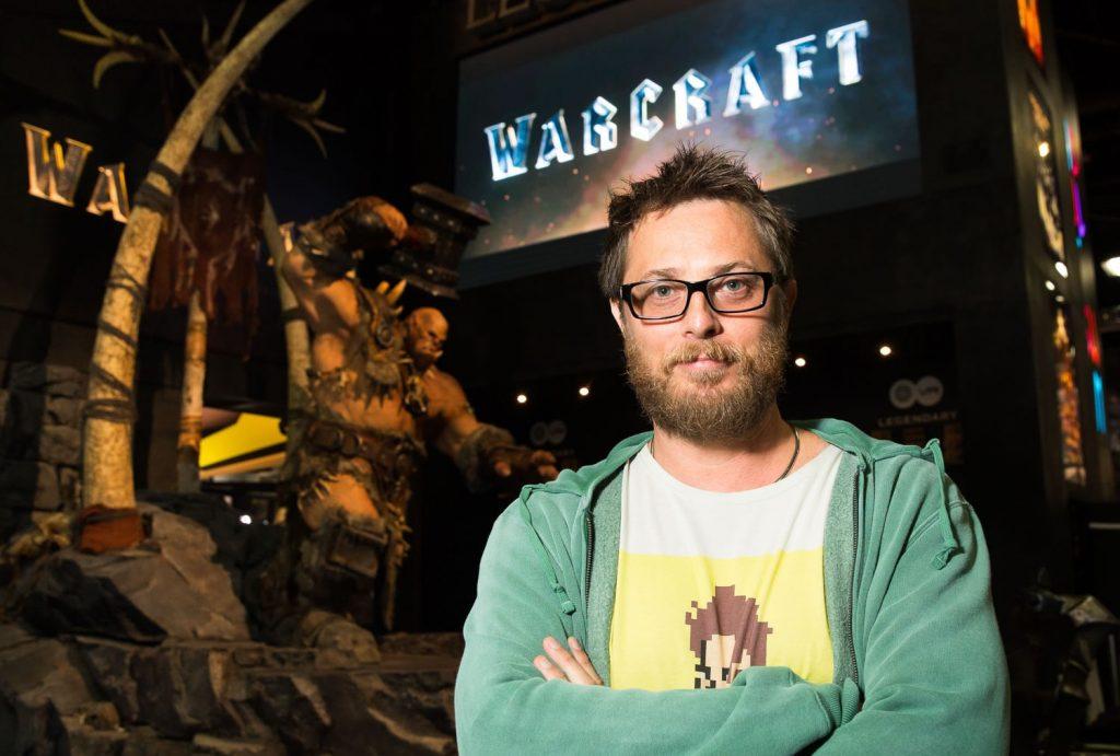 Режиссёр Дункан Джонс на стенде «Варкрафта» на San Diego Comic-Con 2015