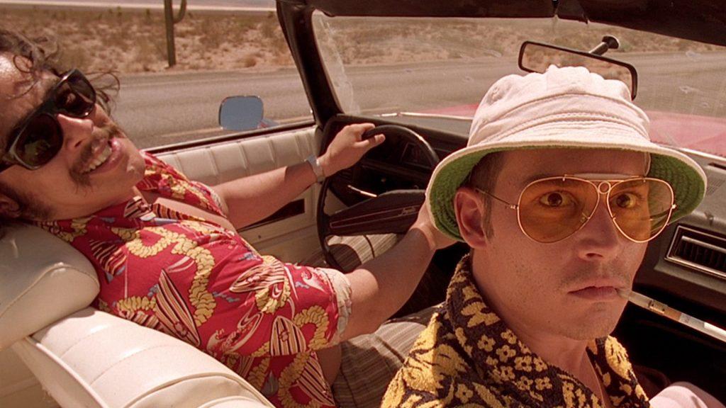 Бенисио дель Торо и Джонни Депп на пути в Великую Американскую мечту с багажником, полным наркотиков.