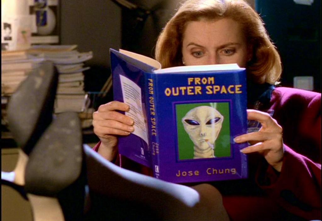 Хосе Чангу почти удалось убедить Малдера и Скалли, что пришельцев придумало правительство