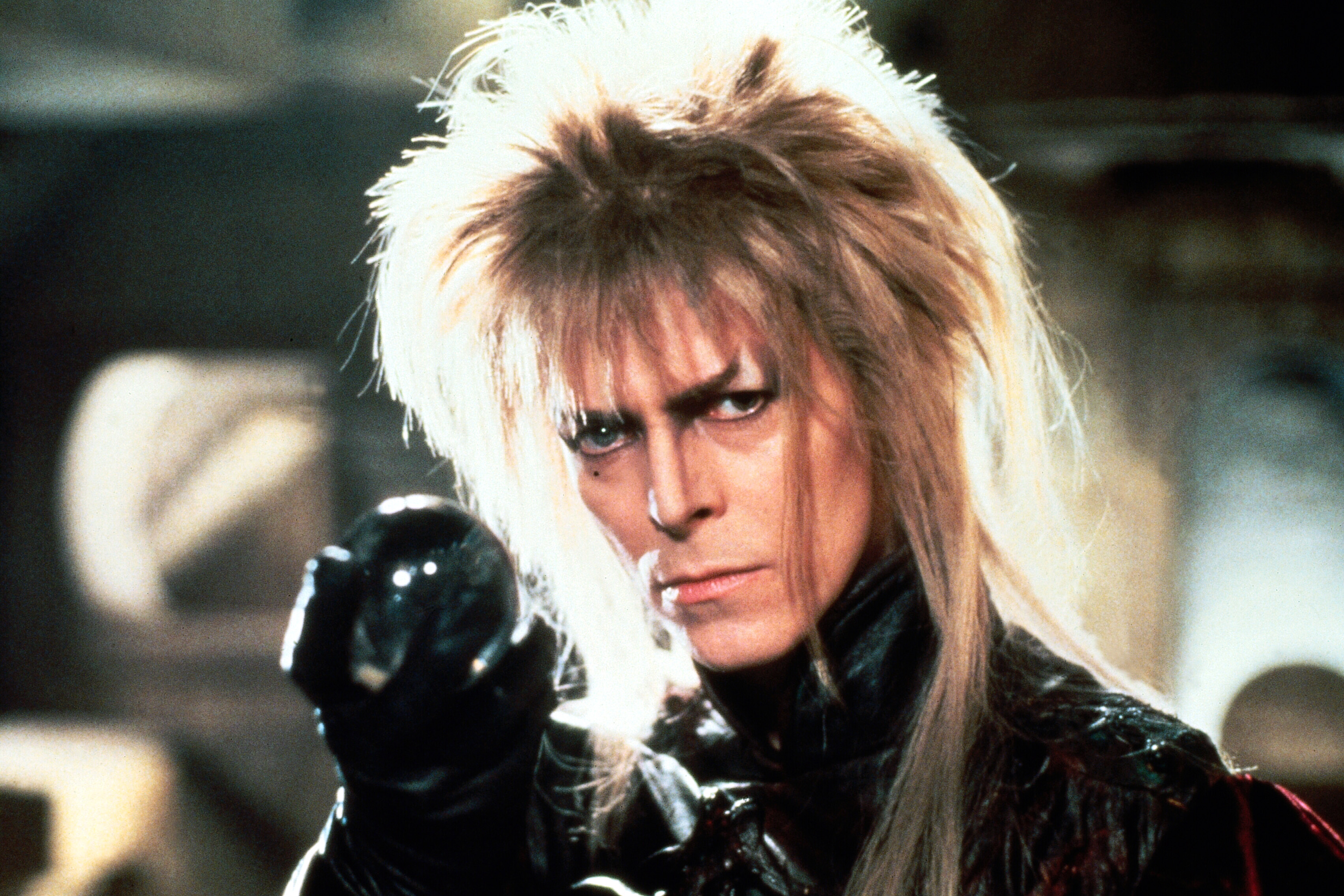 king_jareth_with_the_crystal[1]