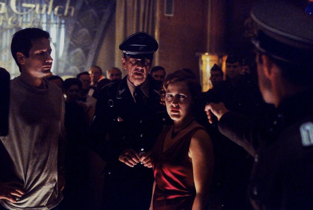 В прошлой жизни Курильщик был офицером СС («Треугольник»)
