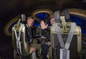Харрисон Форд в кабине космического корабля