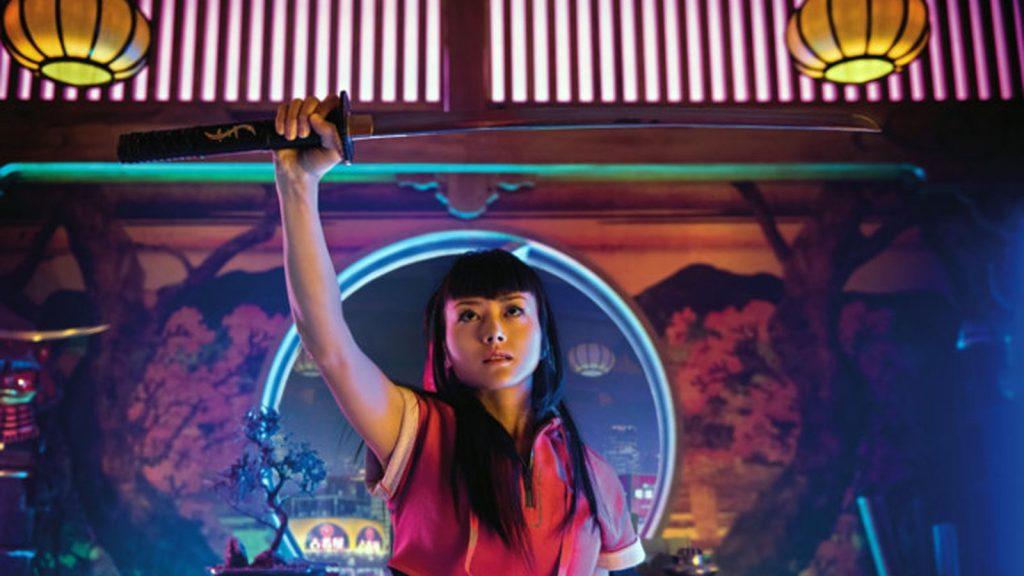 Катана Гёрл переносится в MMORPG каждый раз, когда вынимает из ножен самурайский меч ее отца.