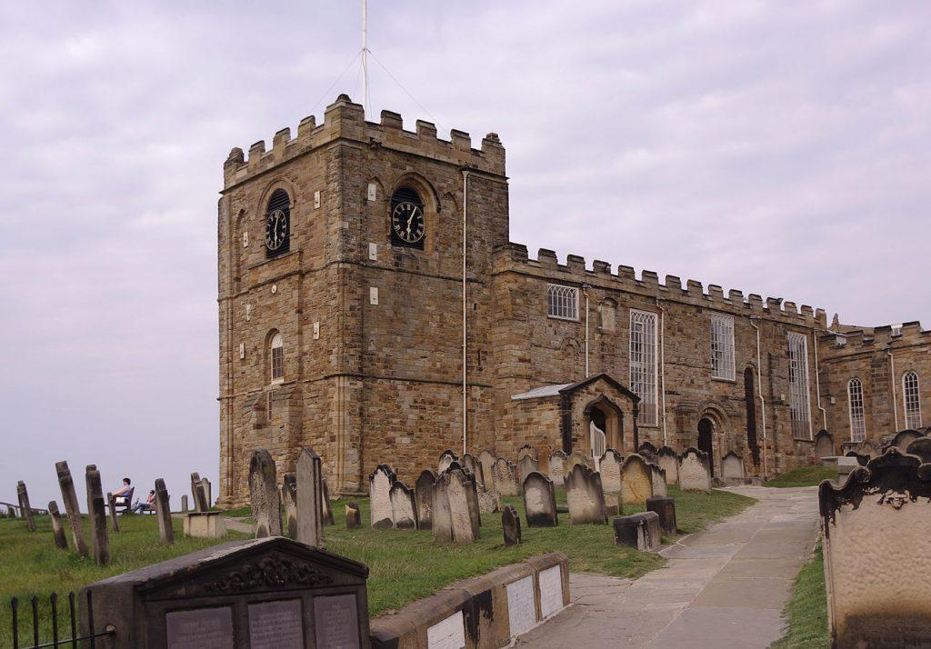 Церковь Святой Марии. На кладбище рядом с ней граф и встретился со своей жертвой.