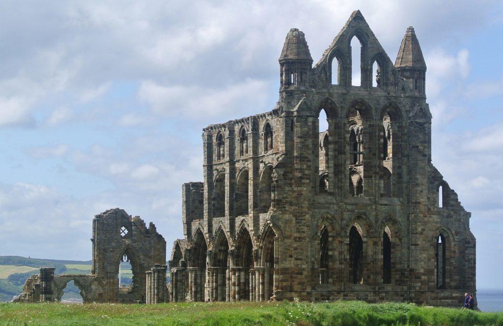Развалины аббатства Уитби.