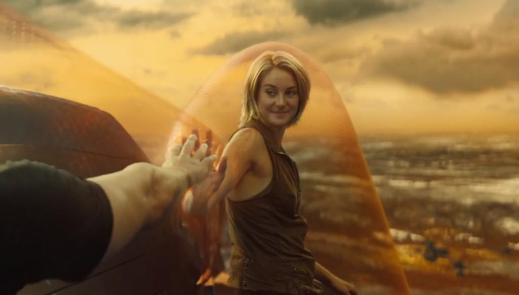 Насколько «Дивергент» хочет быть «Голодными играми»? Настолько, что главную роль исполняет Шейлин Вудли, проигравшая кастинг на роль Китнисс