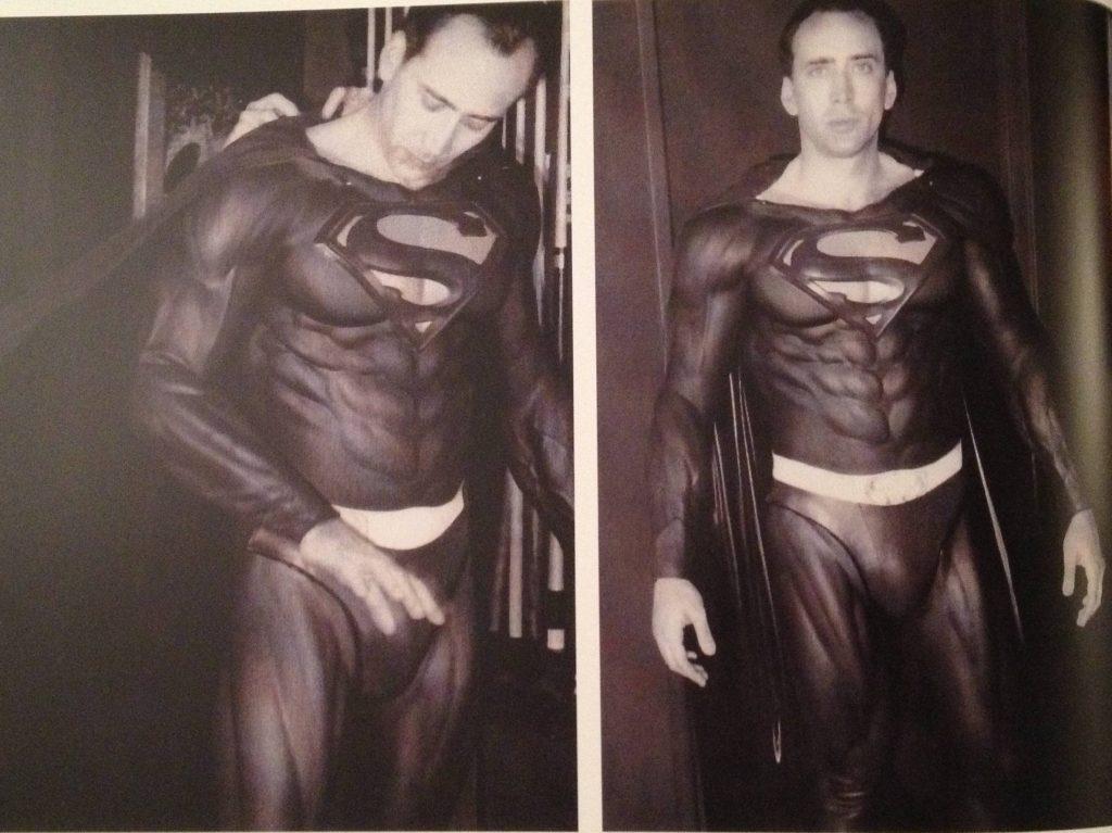 Николас Кейдж исполнил мечту детства и примерил костюм Супермена. Не правда ли, здорово… что фильм не сняли?