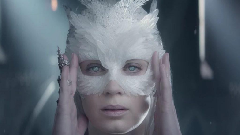 Ледяная королева с говорящим именем Фрейя — не лучшая роль Эмили Блант
