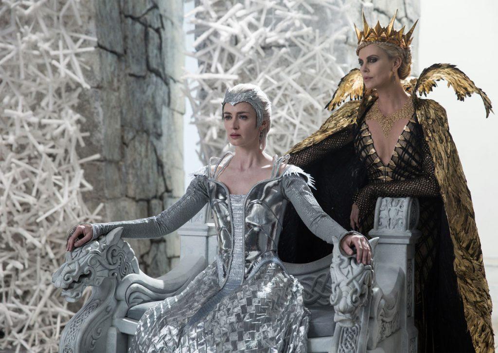 «Костюмы и декорации — вот что в кино главное!» считает режиссёр Седрик... как его...