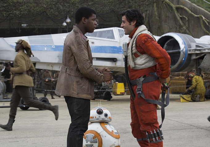 star-wars-the-force-awakens-john-boyega-oscar-isaac[1]