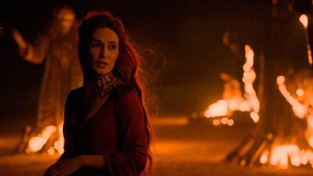 Рыжеволосая жрица огня — уж очень удачное совпадение. Возможно, цвет волос — часть фальшивого облика Мелисандры