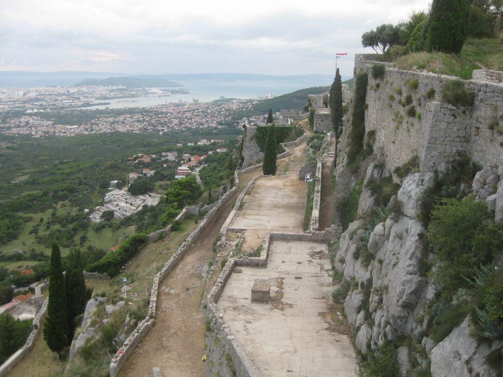 Крепость Клис. Много места, чтобы расставить Безупречных