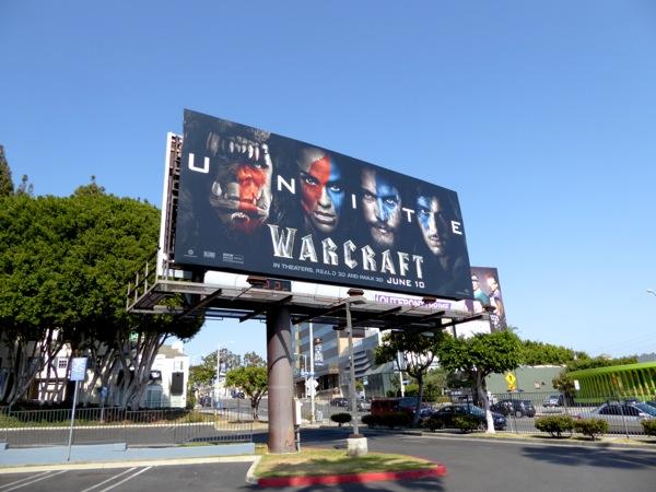 Реклама на улицах, ТВ, в интернете — всё это стоит денег. Фото dailybillboardblog.com