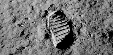 Человек на Луне 27