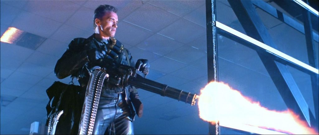 Шварценеггер — единственный на съемочной площадке, кто сумел поднять этот пулемёт