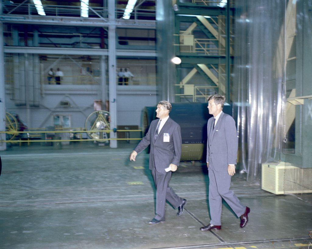 Кеннеди и фон Браун