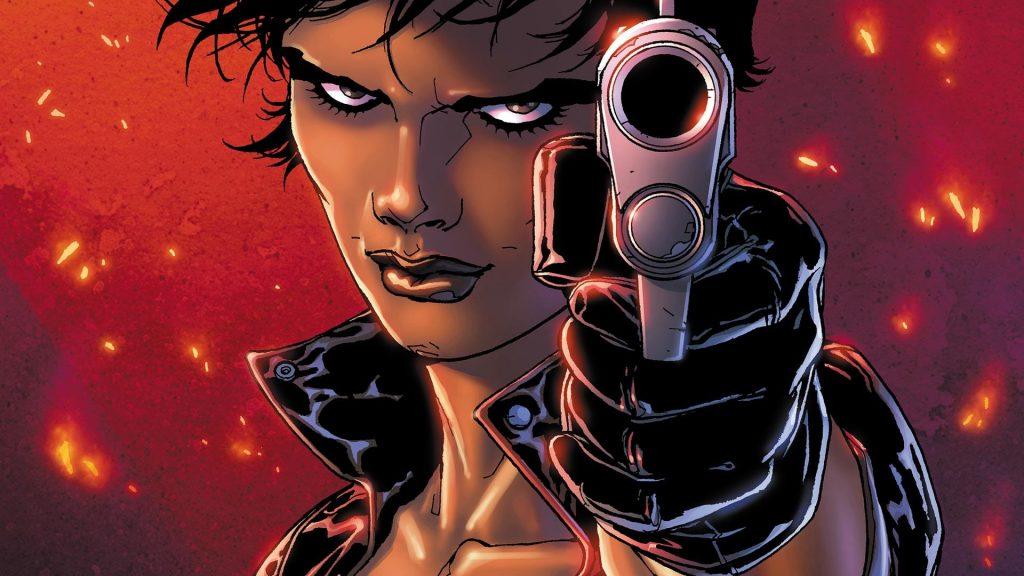 В комиксах агент Уоллер была моложе и симпатичнее, чем в кино