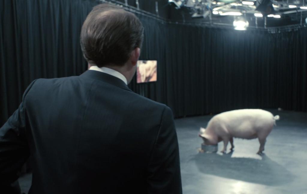 Некоторые чувствительные люди бросали просмотр после первой серии — той, что про премьера и свинью. И напрасно!