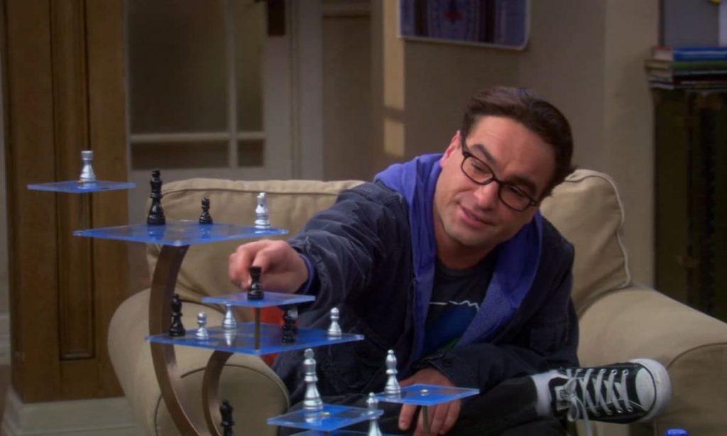 Шелдон и Леонард играют в 3D-шахматы из «Звездного пути»