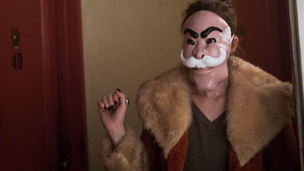 Во втором сезоне нам раскрыли историю маски fsociety