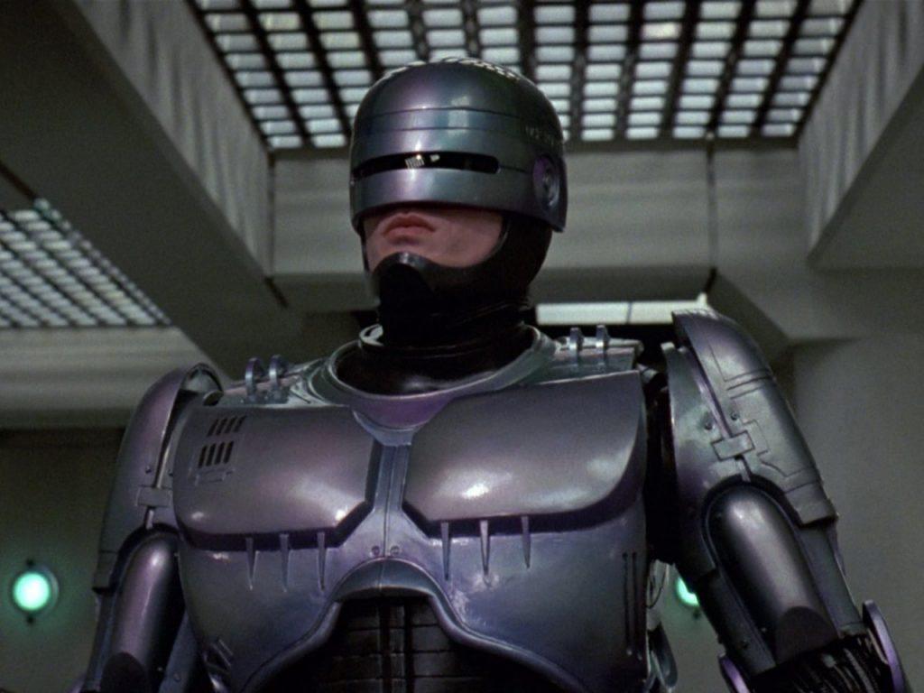 Робокоп — довольно здравая с технической точки зрения идея. Мозг офицера Мёрфи давал роботу именно то, чего не могли добиться механическим путём, — разум, воображение и чувства