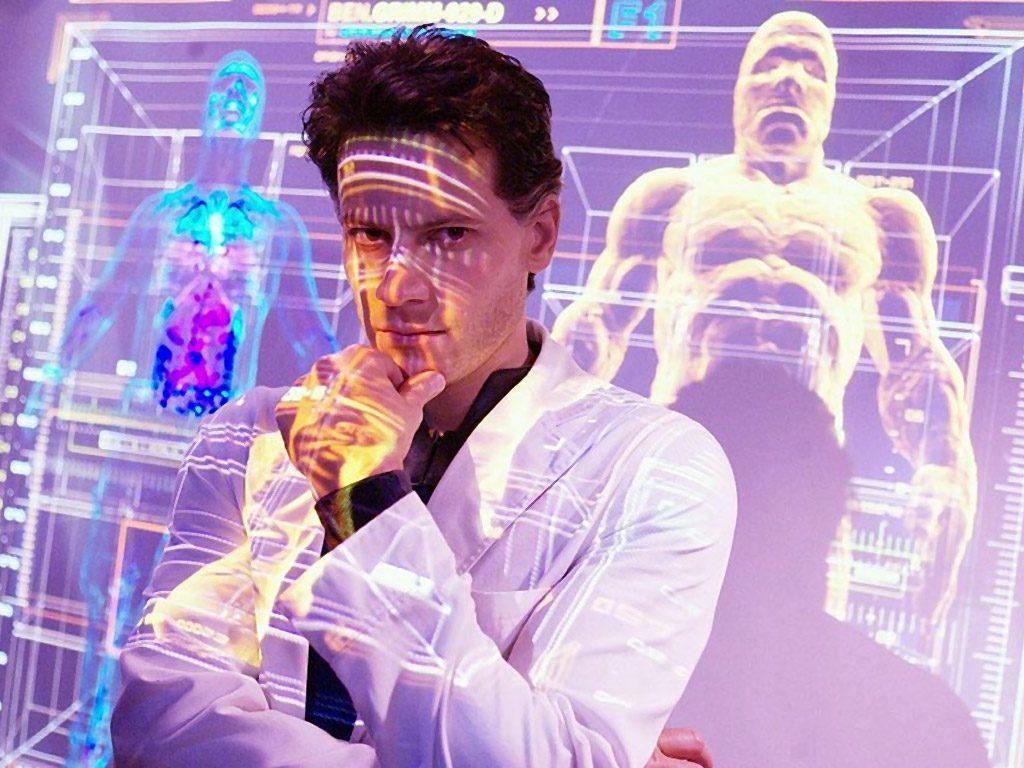 Британские учёные полагают, что мозг человека, оставленный электроникой без работы, в будущем начнёт уменьшаться, постепенно сократившись до размера мозга британского учёного (кадр из «Фантастической четвёрки»)