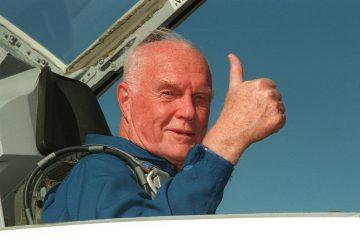 Американский астронавт Джон Гленн умер в возрасте 95 лет
