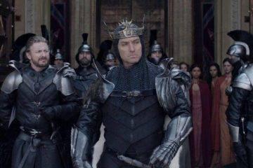 Карты, деньги, два меча: новый трейлер фильма «Меч короля Артура» от Гая Ричи