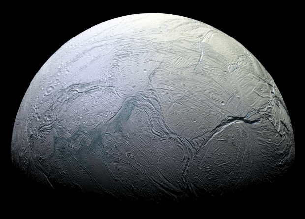 NASA: на спутнике Сатурна может быть жизнь