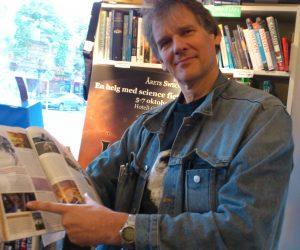 Писатель-фантаст Питер Уоттс выдвинул шутливую теорию о фильме «Чужой: Завет»