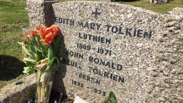 Книга Толкина о Берен и Лютиэн вышла спустя 100 лет после написания 1