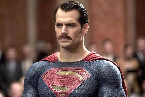 Фотожабы: все хотят увидеть Супермена с усами