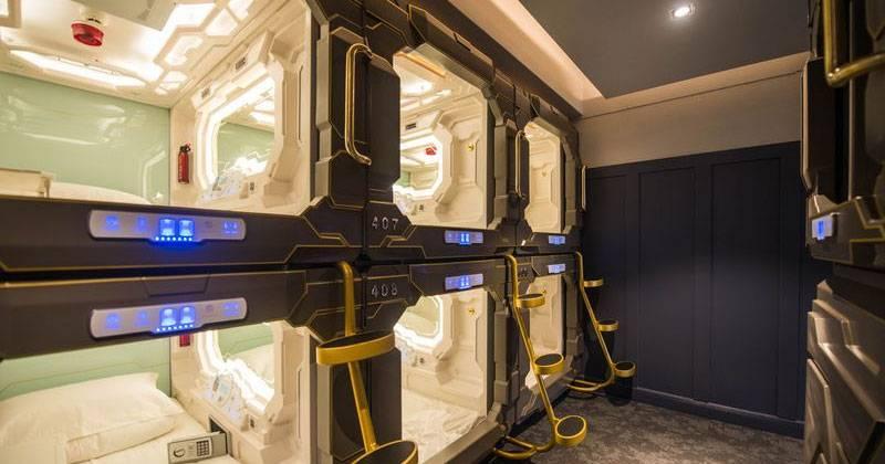 В Сиднее открылся отель с капсулами в стиле киберпанка