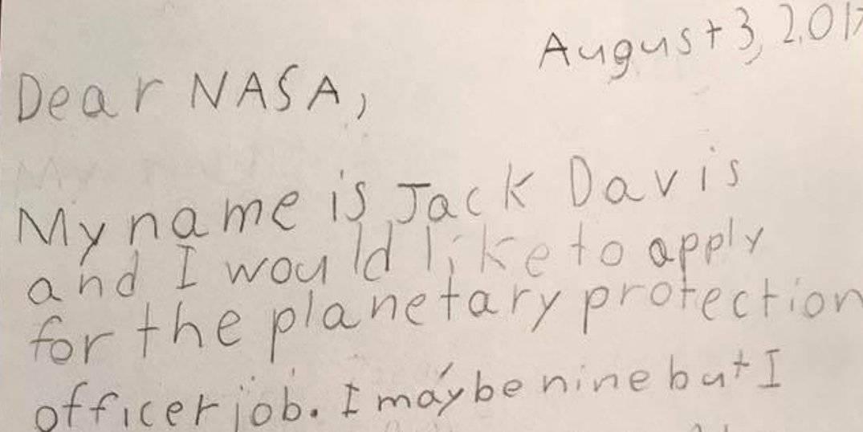 «Я видел все фильмы о космосе и пришельцах»: на вакансию NASA откликнулся 9-летний мальчик